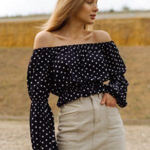 Замовити по знижці чорну блузу-топ для жінок з відкритими плечима