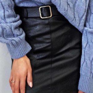 Заказать черную юбку длины мини из экокожи с поясом в Украине в комплекте