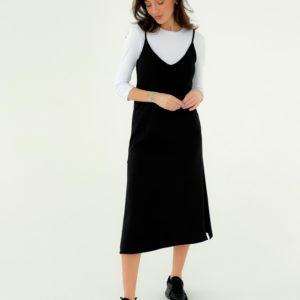 Заказать онлайн женский комплект двойка: сарафан и гольф черного цвета