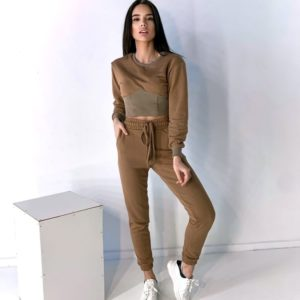 Заказать онлайн прогулочный костюм цвета мокко с укороченным свитшотом для женщин