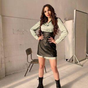 Заказать недорого женский комплект: платье-рубашка+сарафан из эко кожи цвета оливка