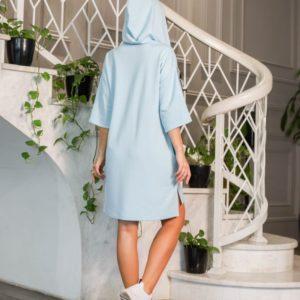 Заказать по низким ценам женскую тунику с капюшоном и надписью (размер 42-52) голубого цвета