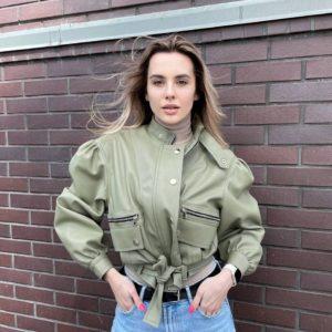 купить женскую весеннюю куртку оливкового цвета по выгодной скидке магазина Unimarket