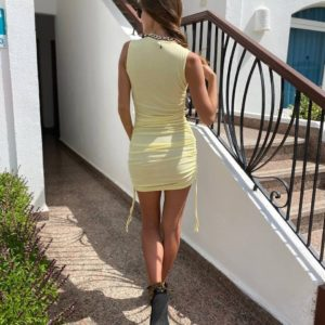 заказать жёлтое летнее платье на затяжках по выгодной скидке