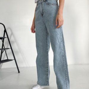 Купить недорого голубые свободные джинсы с необработанным краем для женщин