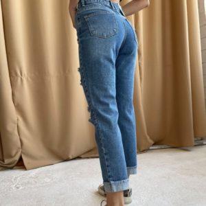 Приобрести синего цвета женские укороченные джинсы с дырками в Украине