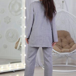 Приобрести онлайн женский брючный костюм с пиджаком из льна (размер 42-52) серого цвета