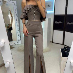 Приобрести цвета капучино женский костюм с топом и разрезами на брюках недорого
