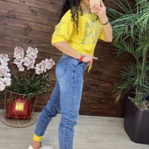 Заказать онлайн желтый джинсовый костюм с футболкой (размер 42-48) для женщин