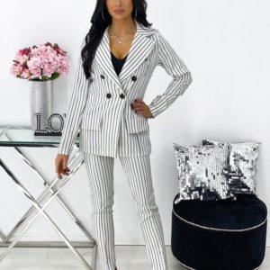 Купить онлайн белый брючный костюм-тройка в полоску для женщин
