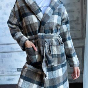 Приобрести недорого женское пальто-рубашку на запах в клетку для женщин цвета мокко