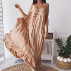 Приобрести бежевого цвета длинное платье на бретельках с открытой спиной выгодно для женщин