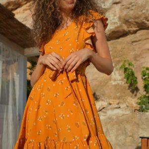 Купить онлайн женское летнее платье с рюшами на рукавах (размер 42-52) цвета горчица