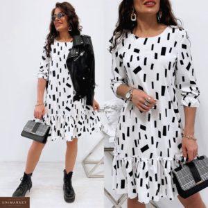 Купить белое для женщин платье с оригинальным принтом (размер 42-48) на распродаже