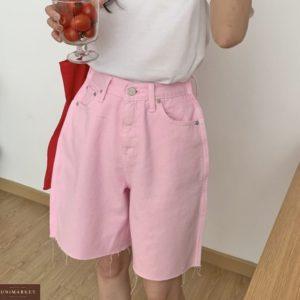 Купить розового цвета женские удлиненные джинсовые шорты оверсайз в интернете