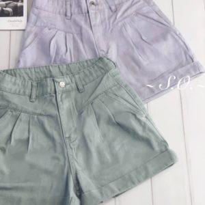 Замовити лілові, м'ятні короткі джинсові жіночі шорти з защіпамікороткіе джинсові шорти з защипами дешево