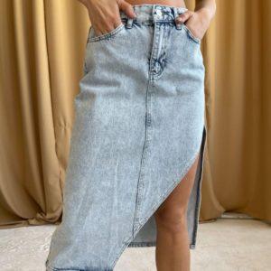 Купить голубую джинсовую юбку миди с асимметрией в интернете для женщин