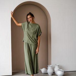 Купить недорого женский летний костюм с кюлотами из льна штапеля оливка