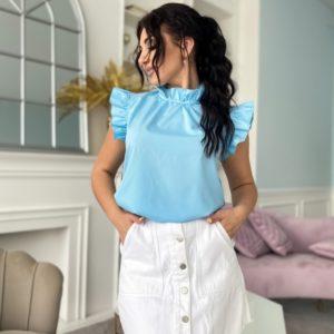 Купити блакитну жіночу блузу з рюшами на рукавах і комірі (розмір 42-56) в інтернеті