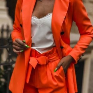 Купить оранжевый летний костюм для женщин с пиджаком и шортами (размер 42-48) по скидке