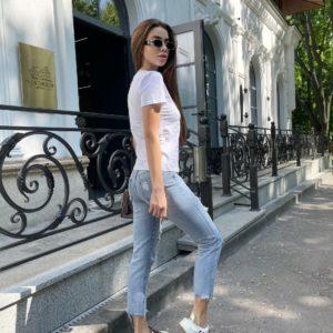 Купить белый женский принтованный комплект с джинсами (размер 42-48) по скидке