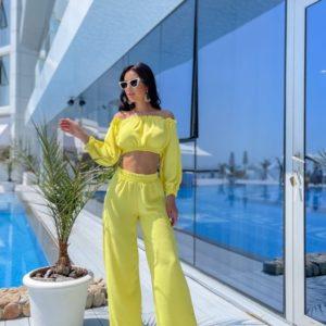 Купить недорого желтый женский костюм из жатки с топом с длинным рукавом (размер 42-48)