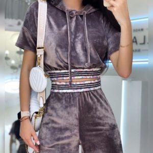 Заказать выгодно цвета капучино костюм из плюша-бархата с капюшоном для женщин