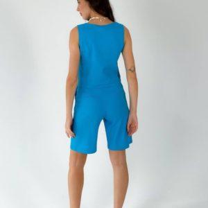 Приобрести недорого женский костюм из льна: шорты и топ голубого цвета