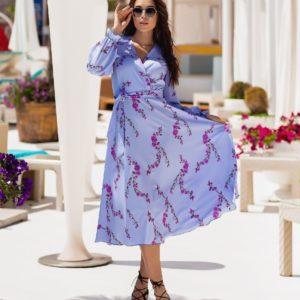 Купить онлайн лиловое женское платье миди с длинным рукавом на запах (размер 42-54)
