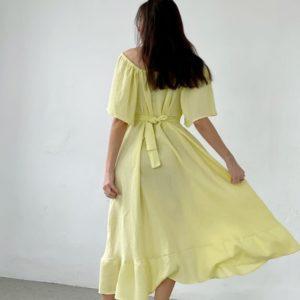 Приобрести желтое женское летнее свободное платье с открытыми плечами выгодно