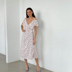 Заказать белое женское платье на запах с открытыми плечами (размер 42-52) по скидке