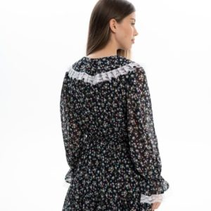 Заказать черного цвета женское шифоновое платье мини с воротником в интернете