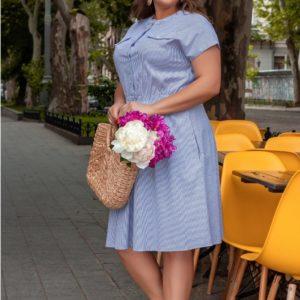 Купить женское полосатое платье из коттона (размер 42-58) голубого цвета по скидке