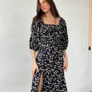 Заказать онлайн черное женское платье с открытыми плечами и разрезом (размер 42-52)