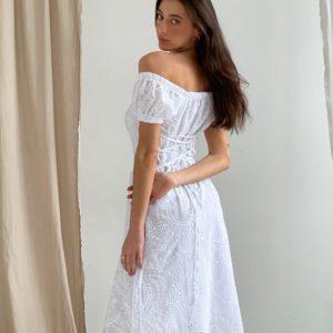 Купить в интернете белое женское платье из прошвы со шнуровкой (размер 42-52)