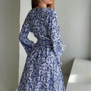 Приобрести льняное платье на лето голубое на запах с принтом для женщин