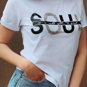 Приобрести по скидке белую футболку Soul с камнями для женщин