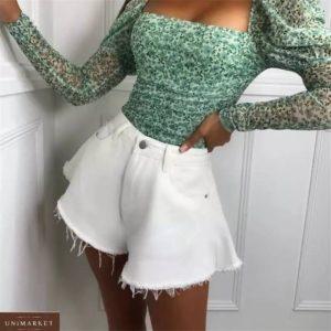 Заказать онлайн белые женские джинсовые шорты клеш с необработанным краем