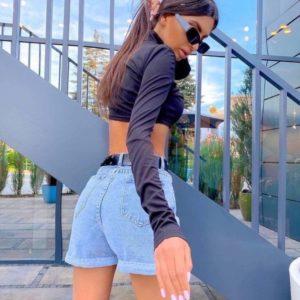 Купить в интернете женские джинсовые шорты с сердечками голубого цвета