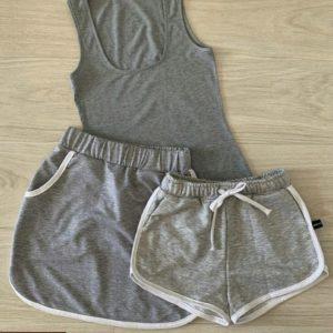 Заказать по скидке серый костюм тройка: майка, юбка и шорты для женщин