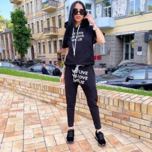 Купить черного цвета спортивный костюм с коротким рукавом (размер 42-52) для женщин онлайн