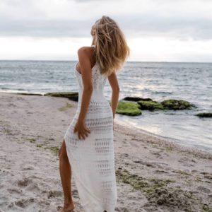 заказать летнее прогулочное вязанное платье на бретелях недорого с быстрой доставкой