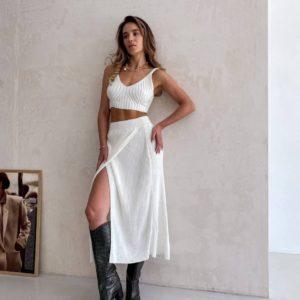 заказать белый женский прогулочный костюм с топом и юбкой недорого в Unimarket