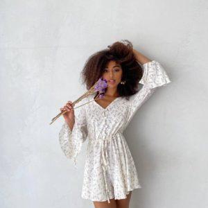 купить женский летний комбинезон белого цвета по акции в магазине Unimarket
