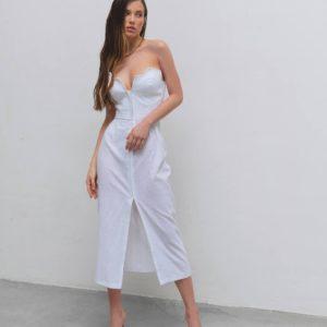 заказать женское платье белого цвета с оголёнными плечами по лучшей цене от поставщика