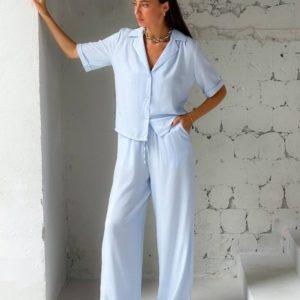 Купить по скидке голубой свободный брючный костюм (размер 42-48) недорого