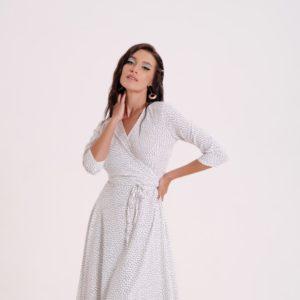 Придбати біле жіноче плаття на запах в горох з рукавом 3/4 для жінок