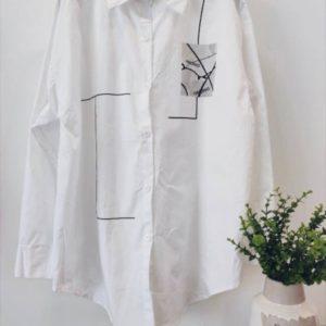 Приобрести в интернете женскую белую рубашку с черным принтом