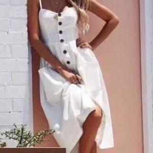 Купить по скидке белый льняной сарафан на пуговицах для женщин