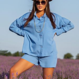 Заказать онлайн голубого цвета костюм с шортами из штапеля (размер 42-52) для женщин